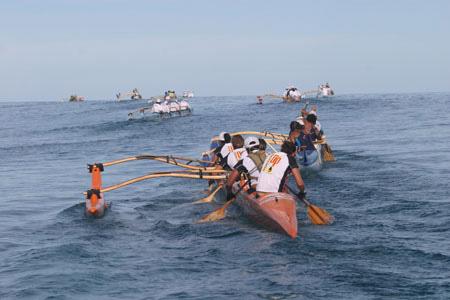 http://www.grographics.com/fiji/canoe/op-4.jpg
